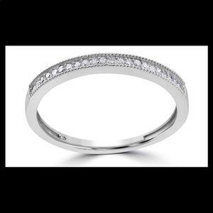 1/8 CTTW Diamond and 10K White Gold Wedding Band